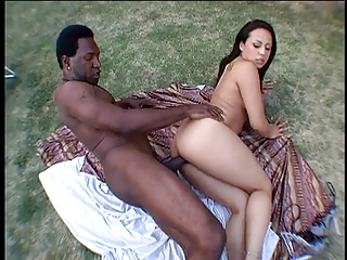Sexy hussy gets banged on the grass