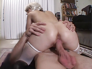 Slut getting her cunt two cocks
